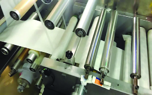 CWD new design co2 laser flying cutting machine for flow production line